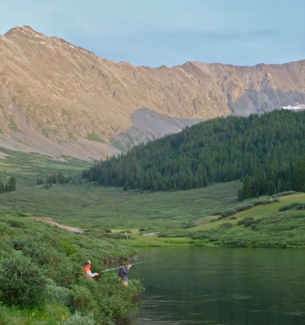 Our 5 favorite fishing spots near copper mountain for Fishing lakes in colorado
