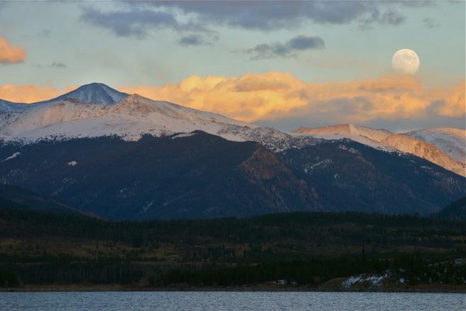 full moon snowshoe tour Copper Mountain